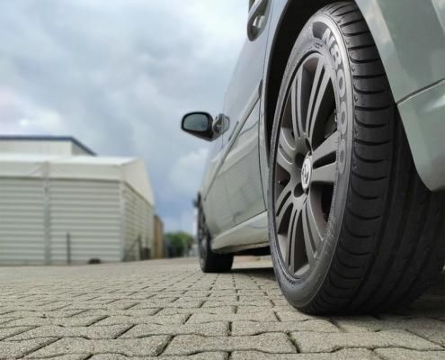 Fahrzeugfolierung und Scheibentönung